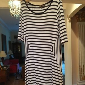 Adrienne Vittadini black and white striped dress